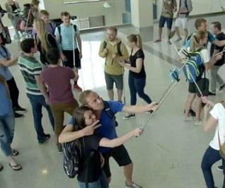 Selfie-Sticks: Genius or a Menace