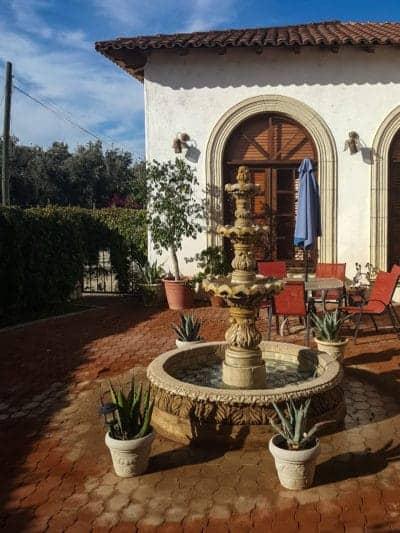 little-courtyard